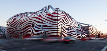 PETERSEN AUTOMOTIVE MUSEUM - FACADE ACCESS